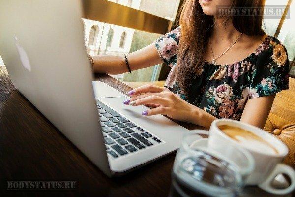 Работа копирайтером на дому: плюсы и минусы удаленного заработка на статьях